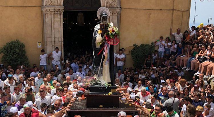 SAN CALOGERO: MESSE A PORTE CHIUSE E NIENTE PROCESSIONE