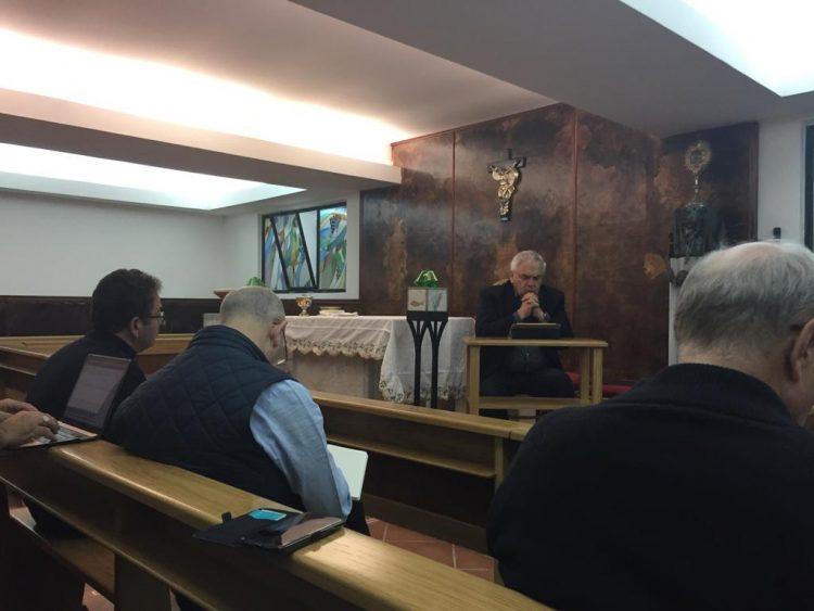 """""""LE DOMANDE VITALI DEL VANGELO"""": I VESCOVI IN RITIRO SPIRITUALE"""
