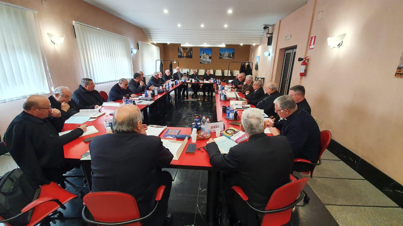 VESCOVI DI SICILIA: CONCLUSA LA SESSIONE INVERNALE DI LAVORO